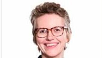 Line Torvik jobber som kommunikasjonssjef for Barne- og familiedepartementet,
