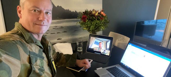 Kommunikasjonssjefen i Forsvaret inspireres av unge talenter, kjemper for åpenhet og misliker reiseregninger