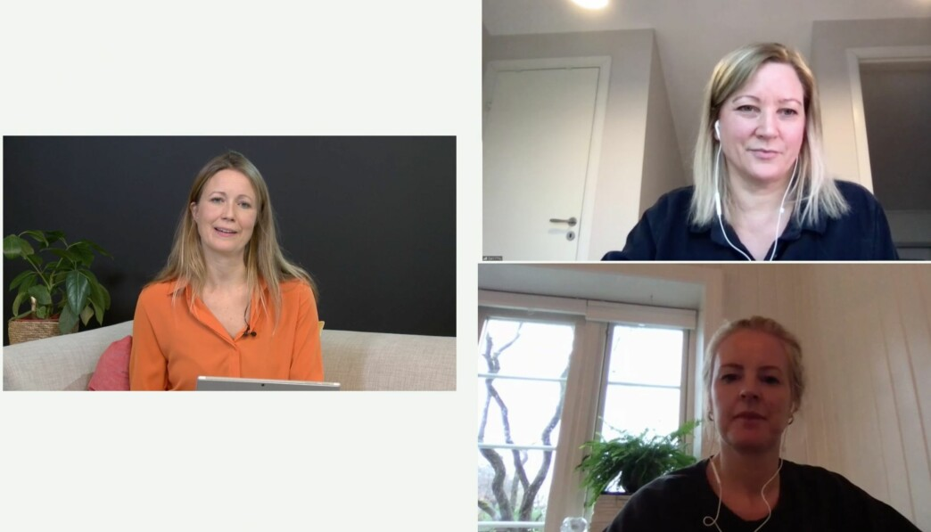 Programleder for seminaret Therese Manus stiller Hillevi Forsmann og Gøril Karlsen Thu spørsmål fra «salen».