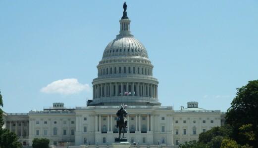 Flere annonsører stoppet TV-kampanjene da Kongressen ble stormet