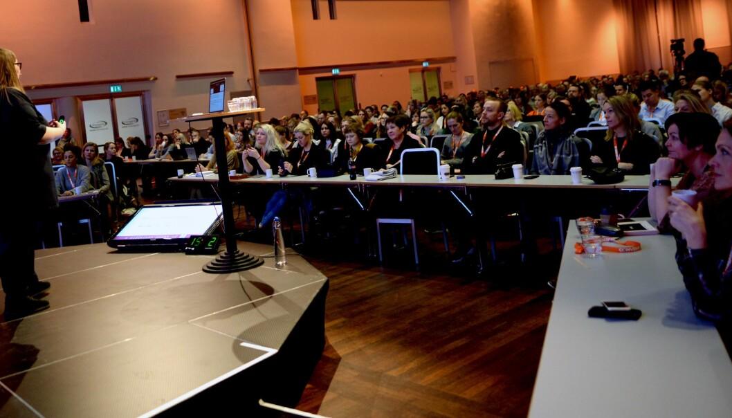 Bilde fra Social Media Days 2017 i Oslo. Sosiale medier-ekspert Astrid Valen-Utvik snakket for 700 deltakere.