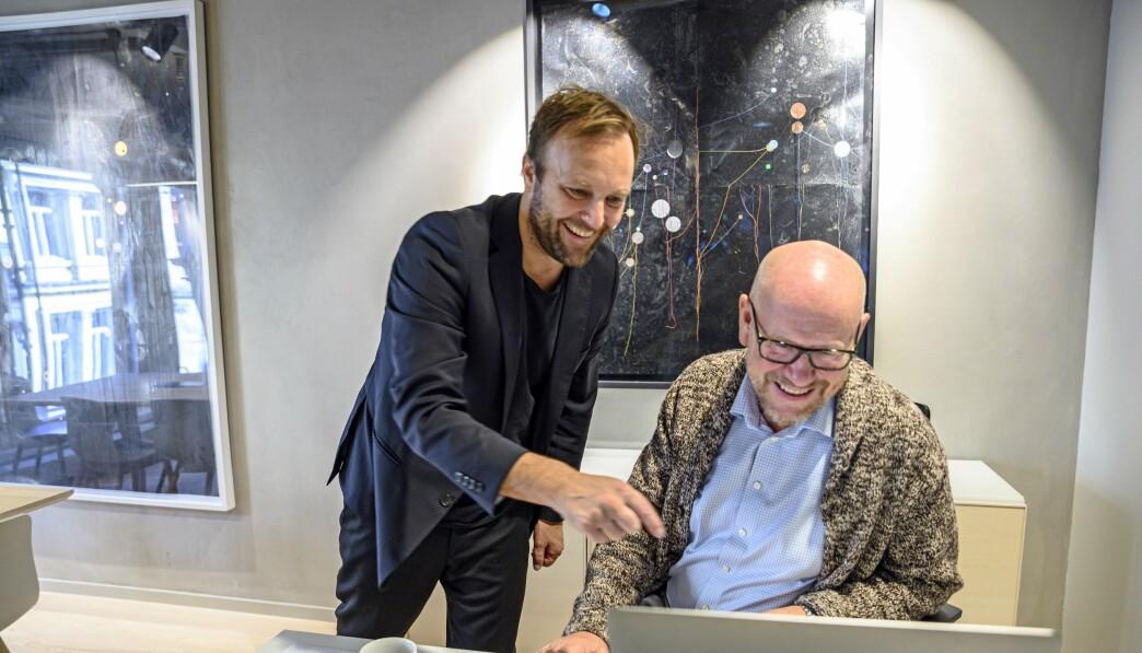 Daglig leder Sindre Beyer i TRY Råd og styreleder og reklamenestor Kjetil Try. Dette bildet er tatt før koronapandemien.