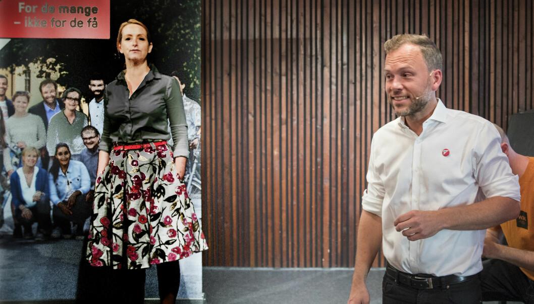 Siri Gjørtz (t.v) er kommunikasjonssjef for SV. Her sammen med partileder Audun Lysbakken fra valgkampen i 2019. Foto: Terje Pedersen / NTB