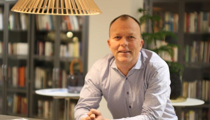 Gründer og daglig leder Nils Apeland i Talerlisten er imponert over måten forsvarssjefen kommuniserer på.