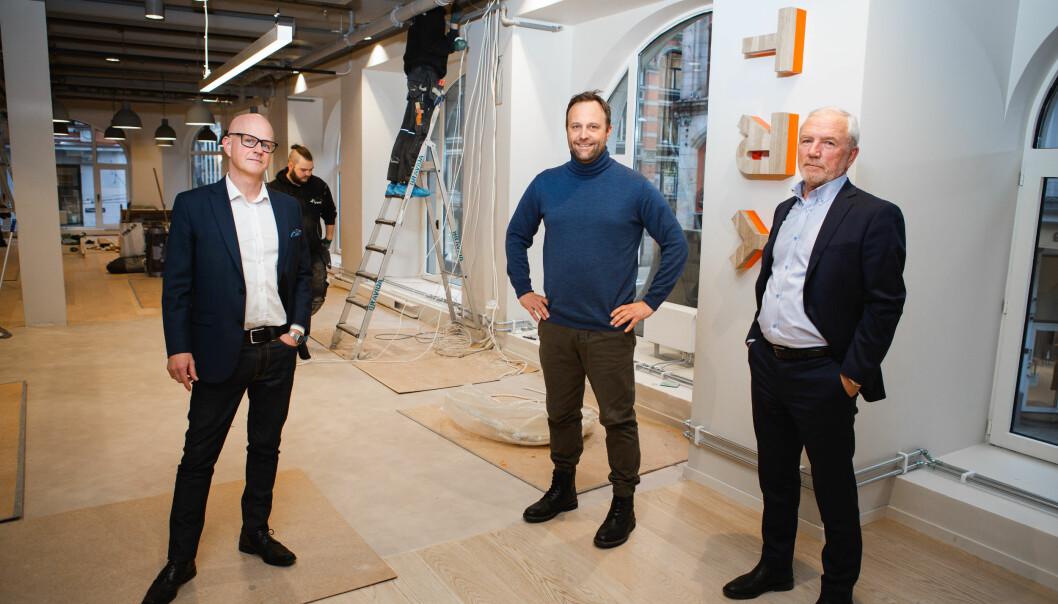 TRY Råd og Kreab flytter i februar sammen inn i nye og større lokaler i TRY-huset. Fra venstre: Bård Hammervold, partner i TRY Råd, Sindre Beyer, adm. direktør i TRY Råd og Sturle Lyberg, managing partner i Kreab Norge.