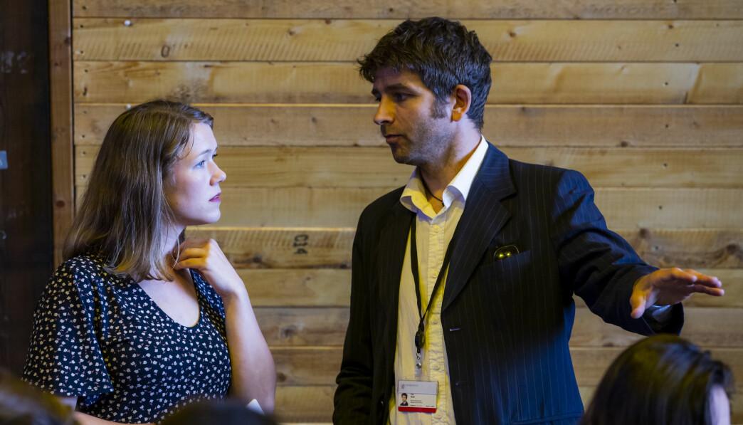 Stortingsrepresentant Une Bastholm og kommunikasjonssjef Nils Mørk før sommerpressekonferansen til Miljøpartiet De Grønne på Salt i Oslo.