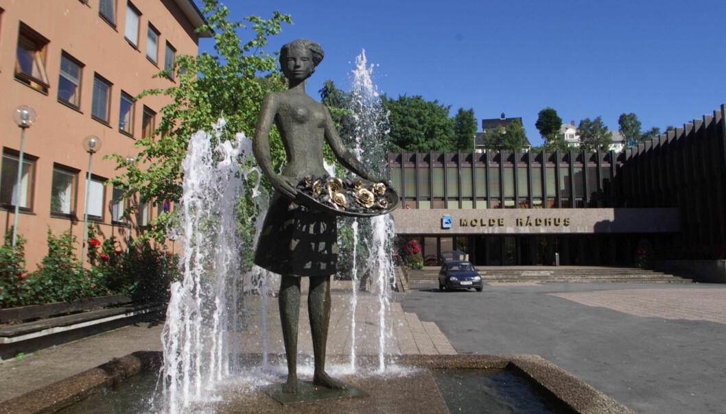 I 2015 lagde Molde kommune seg en uvanlig åpen kommunikasjonsstrategi. – Det er helt naturlig for oss å være åpne, sier kommunens kommunikasjonssjef.