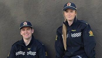 Politibetjent Frode Hauge forteller til KOM24 at hovedmålet med kontoen er å nå ut til den yngre generasjonen med forebyggende budskap. Her sammen med politibetjent Frida Nordem Føleide.