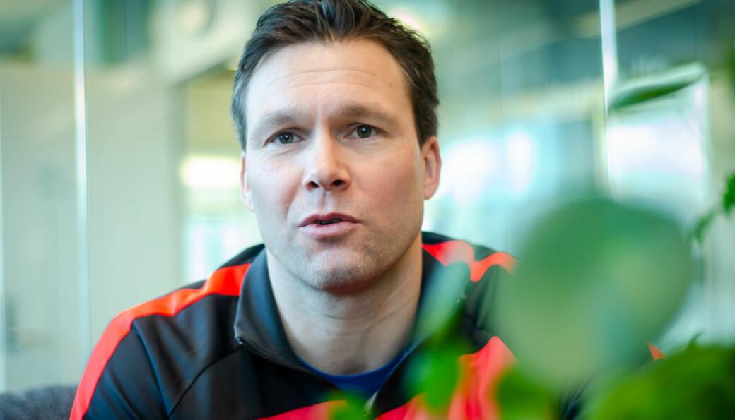 Håkon Opdal er Branns førstekeeper, men han tar seg og tid til å prøve seg som kommunikasjonsrådgiver.