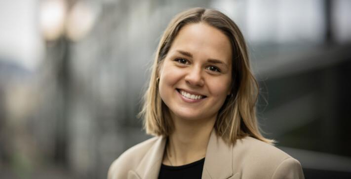 Øyunn Hagen Wold fra Miljødirektoratet til Apeland