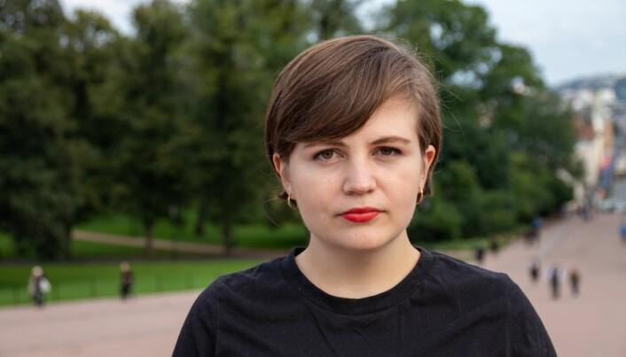 Edel-Marie Haukland ble provosert da hun så bildet av den lettkledde damen som ble brukt for å selge leiligheter.