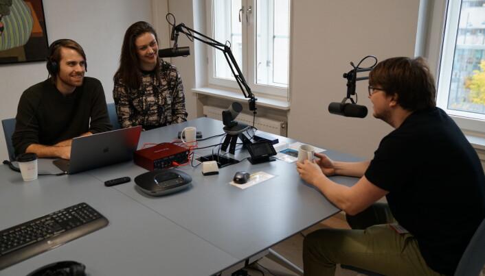 Elling Finnanger Snøfugl forteller at podkasten er en laginnsats fra hele avdelingen, som har gjort at de kunne produsere og publisere ordinære episoder, for å holde på kontinuiteten.