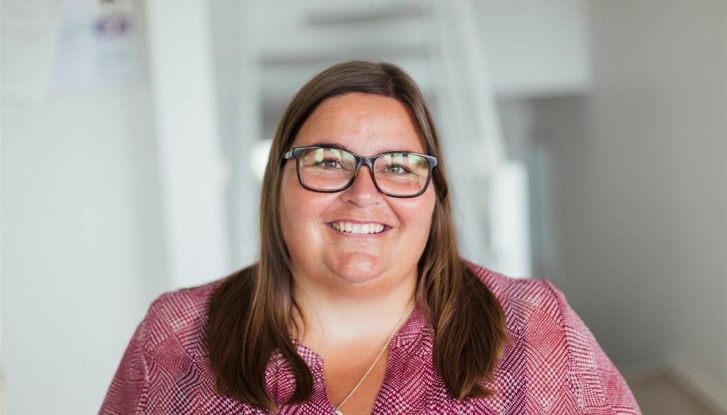 Astrid Valen-Utvik er strategisk rådgiver i Valen-Utvik, og jobber mye med innhold til sosiale medier. Et av hennes beste tips er å benytte seg av dagslys, benytt mobilen til filming og ikke tenk for avansert.