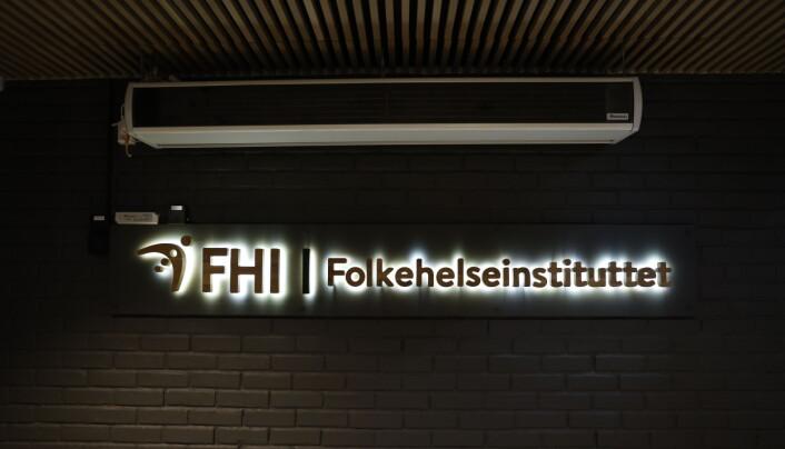 Folkehelseinstituttet skilt og logo.