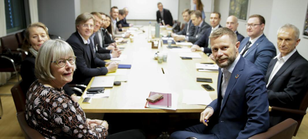 Regjeringen støtter hemmeligholdet overfor pressen: – Taushetsplikten trumfer alt