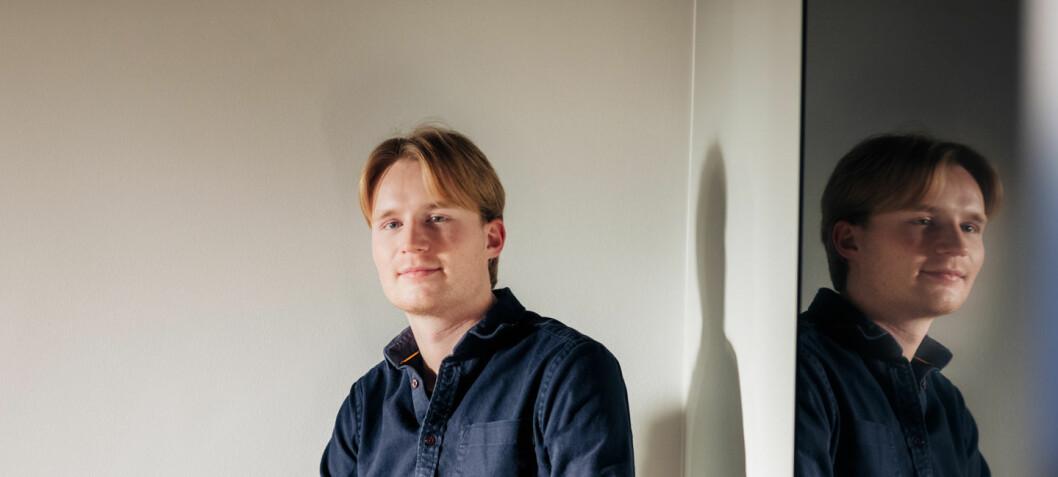 Etter en tid som praktikant kapret Mikkel seg deltidsjobb i PR-operatørene