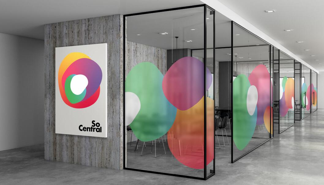 SoCentrals nye profil er utviklet i samarbeid mellom Henrik Johs. Sæther (Art Director), Eirik Hovland (tekstforfatter) og Carl-Erik Engelstad (designer).