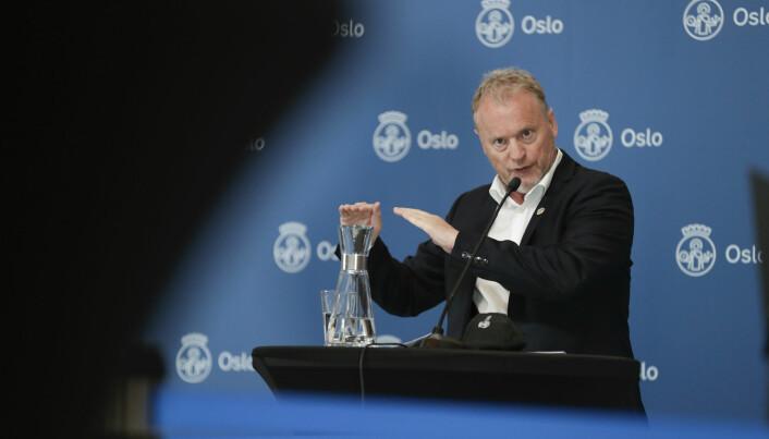 Byrådsleder Raymond Johansen (Ap) orienterer om koronasituasjonen på en av mange pressekonferanser de siste månedene. Foto: Berit Roald / NTB