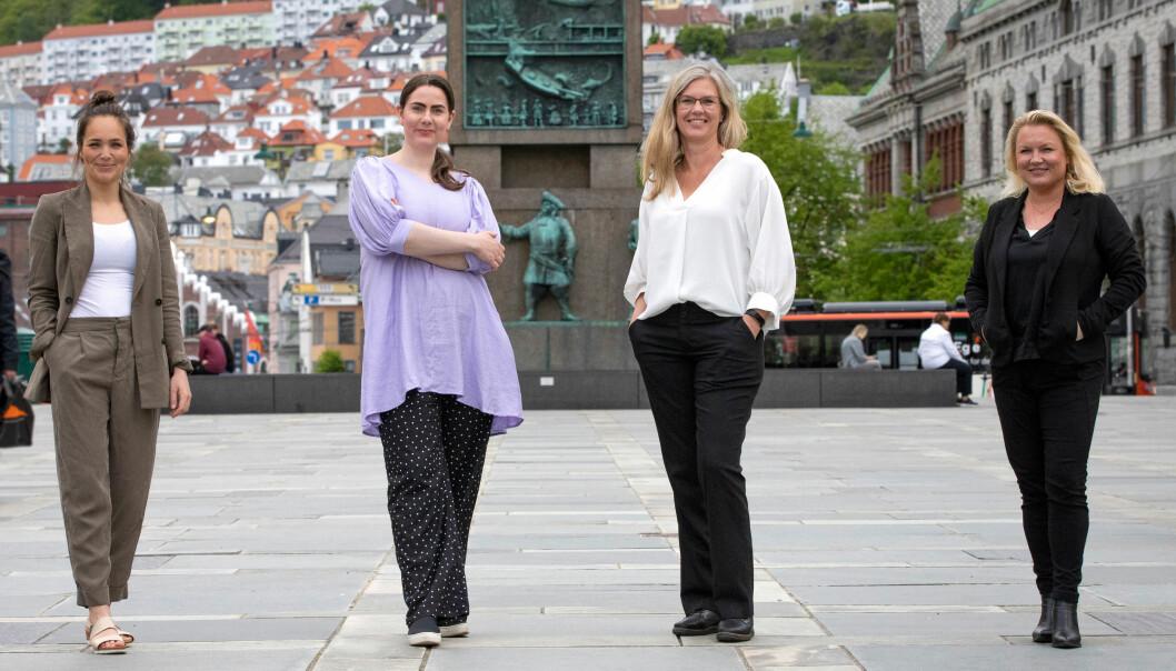 SoMe-redaktør Kristiane Norstad (til venstre), prosjektleder Ina Hilton, strategisk rådgiver Hilde Sander Meling og byråleder Jeanette Galtung Døsvig i Redink ser fram til å samarbeide med Høgskulen i Volda.