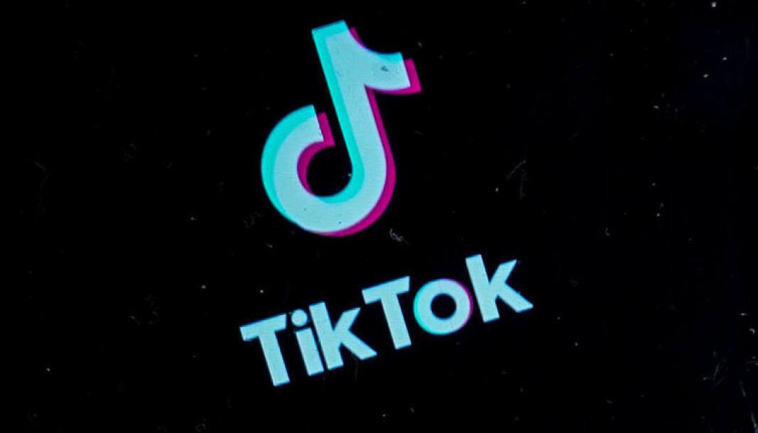 Flere forskere mener unge mennesker får tics av å se videoer på TikTok av andre med tics