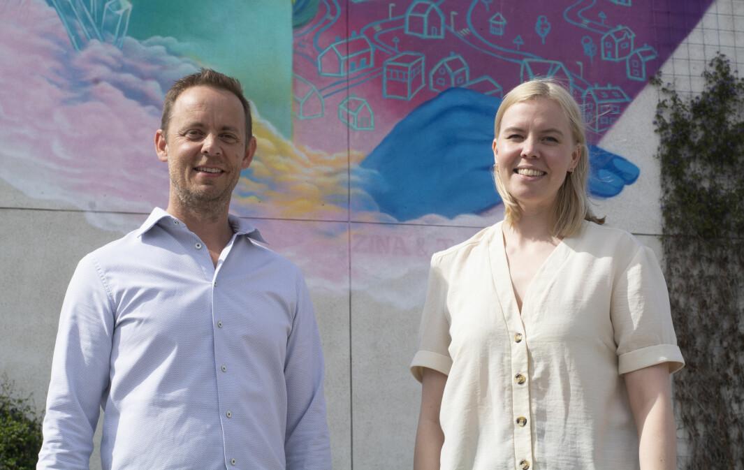 Ivar Tjønsø er ny daglig leder i Nettrakett. Her sammen med avtroppende daglig leder og medeier i selskapet, Line Suhr Johansen.