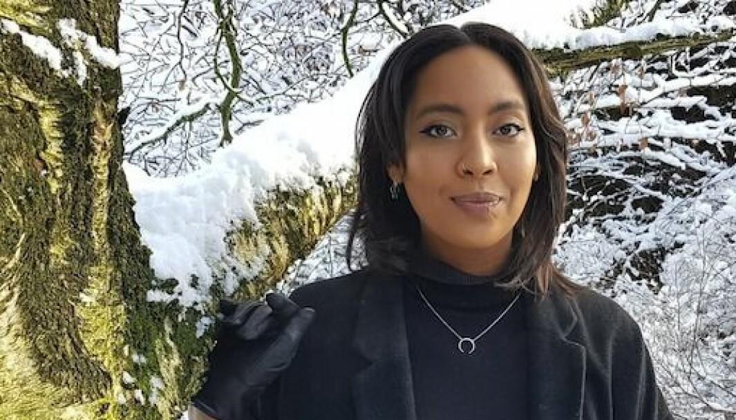 Selena Sefany (28) er ansatt som kommunikasjons- og arrangementsrådgiver i Balansekunst.
