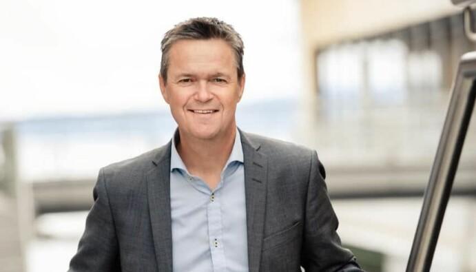 Roger Sandum er partner i Corporate Communications. I disse dager er han også utlånt til Ullensaker kommune i Viken som deres pressekontakt når det gjelder spørsmål rundt teststasjoner og karantenehotell.