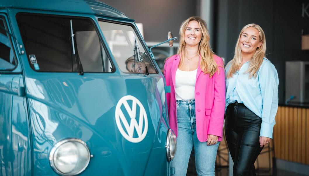 Lisa Hole og Julie Bratsberg har begge hatt et ønske om å arbeide i en bedrift som setter kundens behov i fokus og som skaper løsninger som gir verdi for kunden. Nå får de prøve seg hos Møller Bil i et internship for sommeren.