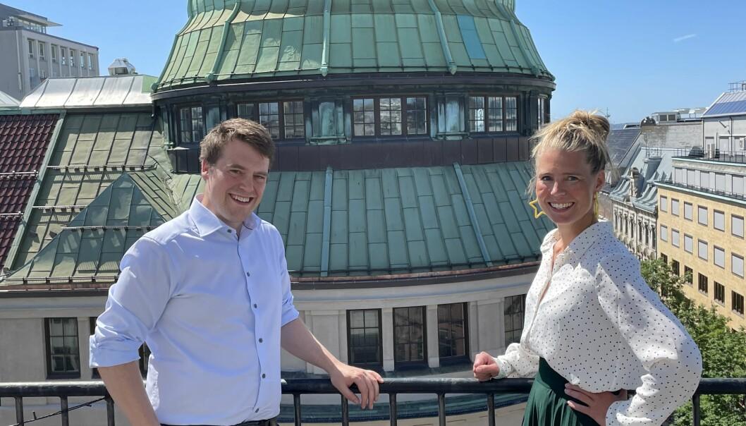Patric Johann Ligner forlater stillingen som Head of Performance i Komplett.no, og blir ny digital direktør i Starcom, her sammen med byråleder Camilla Halleraker.