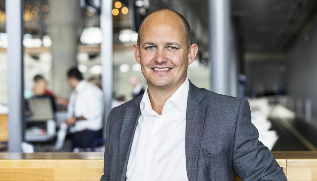 – Det blir en omstilling fra fokus på landets hovedflyplass, til alle landets 44 flyplasser, sier ny kommunikasjonssjef i Avinor, Joachim Westher Andersen.