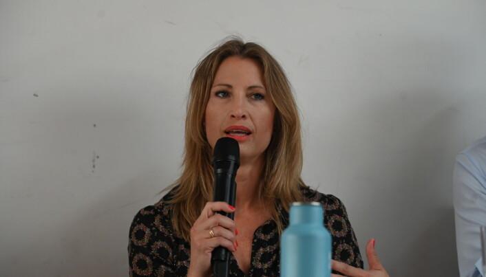Eva Sannum, partner og gründer av Sannum & Bergestuen, under tirsdagens debatt i Arendal.