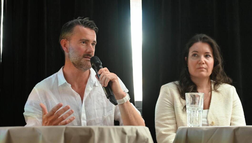 (f.v) Henrik Haakestad Lervold, Chief Marketing Officer i KPMG og Kine Kjærnet, partner og leder for mangfoldsarbeid i KPMG under tirsdagens debatt.