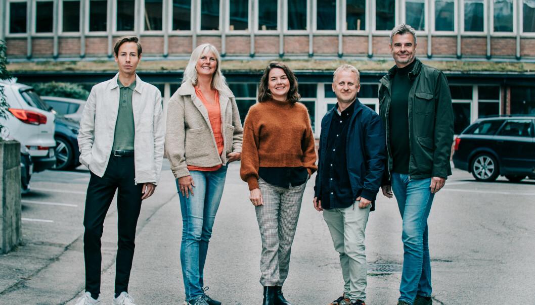 Fra venstre: Innholdsrådgiver Tor-Olav Borgen, produsent Marit Dahlviken Hagen, byråleder Marianne Vangsøy, fotograf Jonas Ruud og produsent Roger Moe.