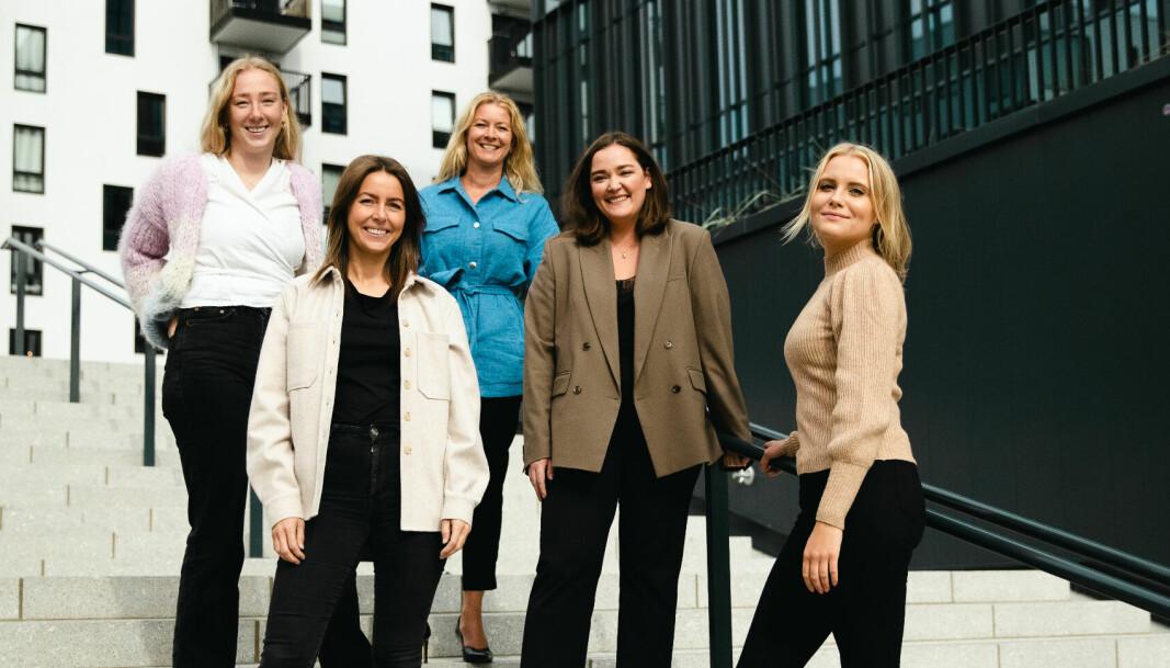 F.v. Sandra Follestø, Mari Vasaasen, Henriette Leikanger, Liva Adéle Sparboe, og Marielle Lyseggen i HyperRedink.