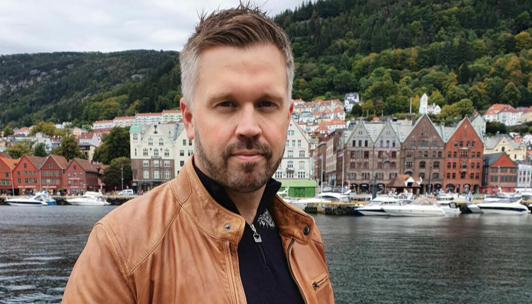 Kristoffer Fürstenberg forlater Visit Bergen og blir ny PR- og kommunikasjonssjef i Fjord Norge.