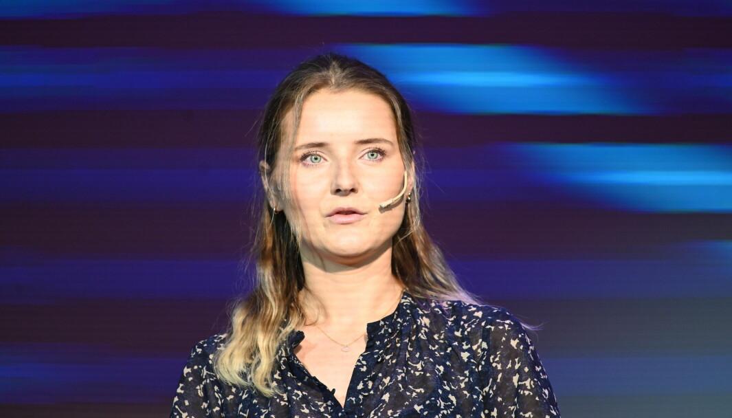 Nora Fikse er utdannet grafisk designer, og jobber nå med å lage GIF-er for ulike merkevarer. Her under Social Media Awards 2021.