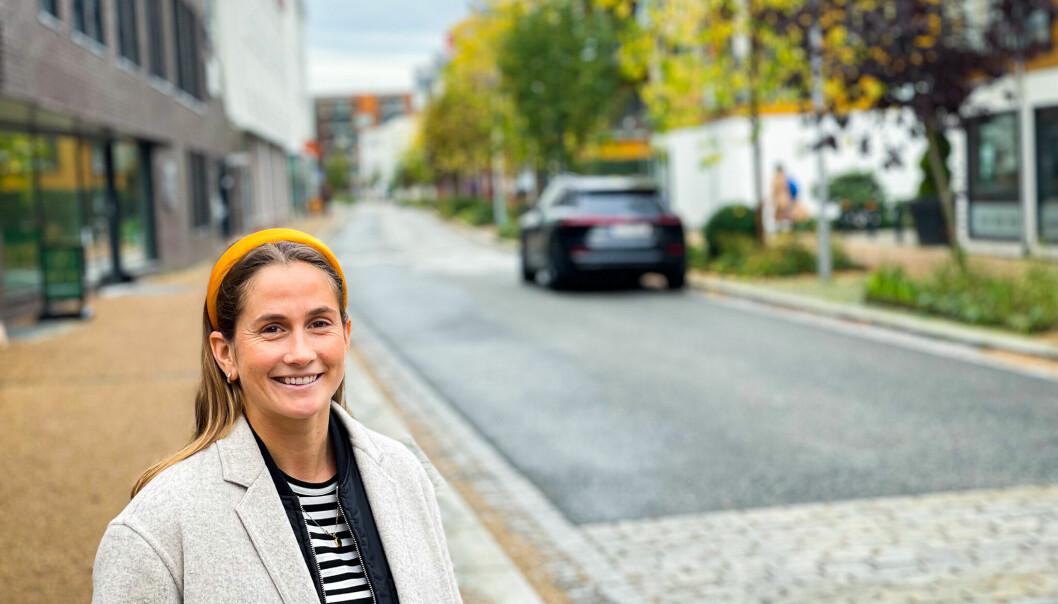 Med maks flaks kan Ingrid Ryland krone 2021-sesongen med både serie og cup-gull. I mellomtiden må hun og hjelpe kundene sine med digital markedsføring for Sopra Steria.