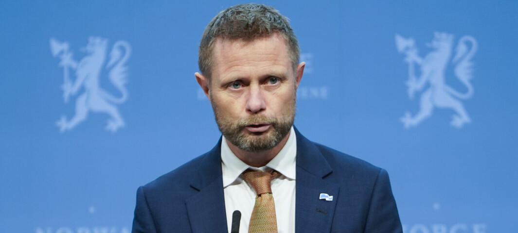 Høie: Kunne vært bedre på koronainformasjon til innvandrere