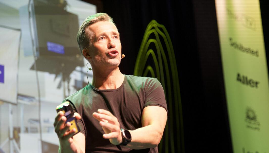 Fagdirektør i ANFO Håvard Kvernaas Bakken under sin presentasjon av «Den store annonsørrapporten 2021».
